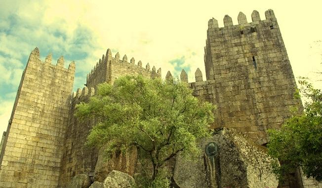 castillo-de-guimaraes