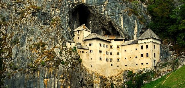 castillo-de-predjama